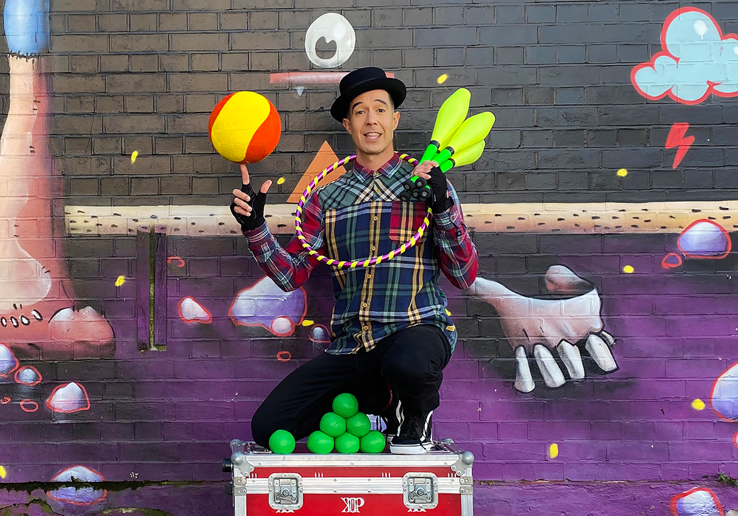 Paul Klaass: A one-man circus show featuring hilarious comedy skits and world-klaass juggling! gallery image
